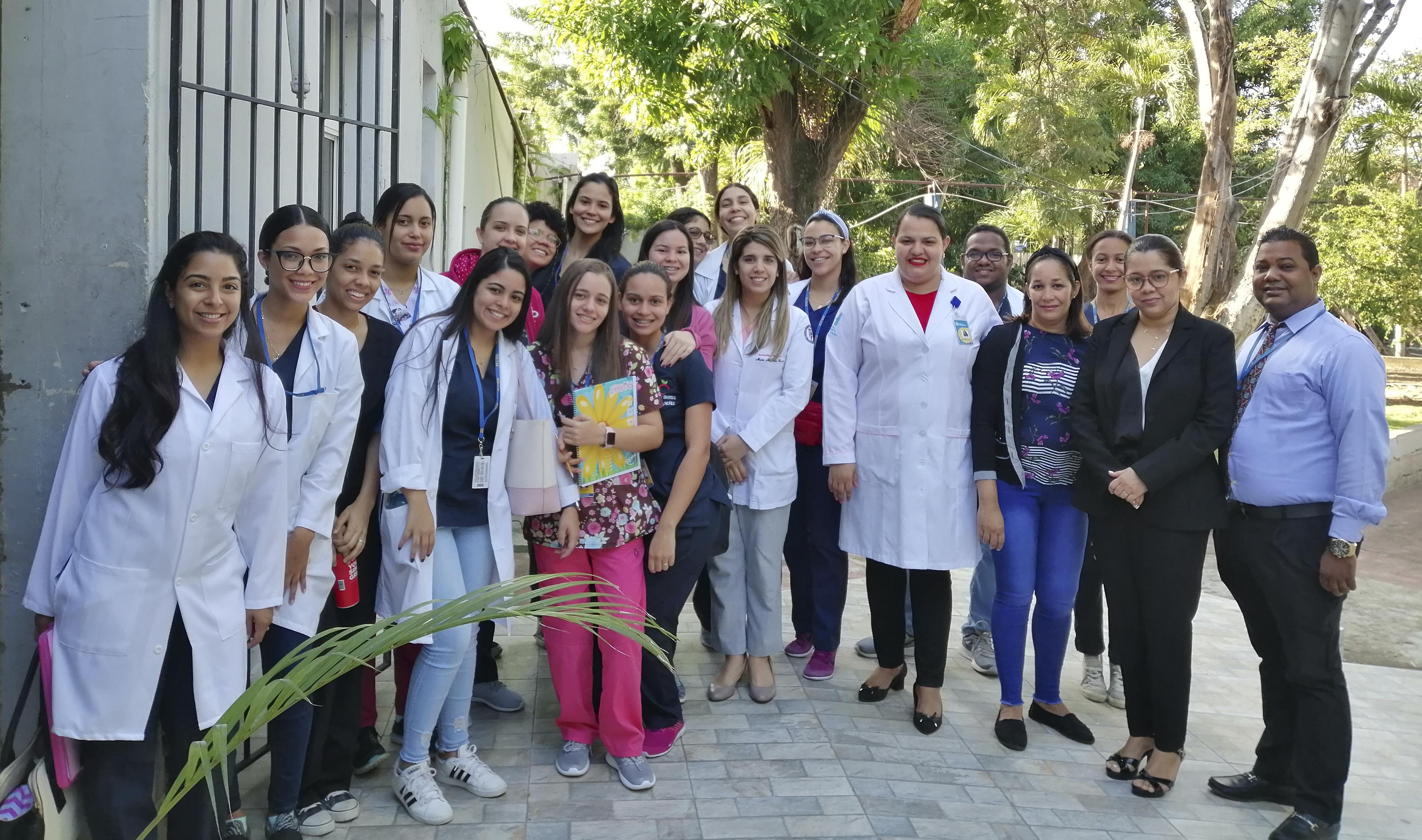 Read more about the article Estudiantes de término carrera nutrición PUCMM inician programa alimentación para pacientes Hospital Estrella Ureña.