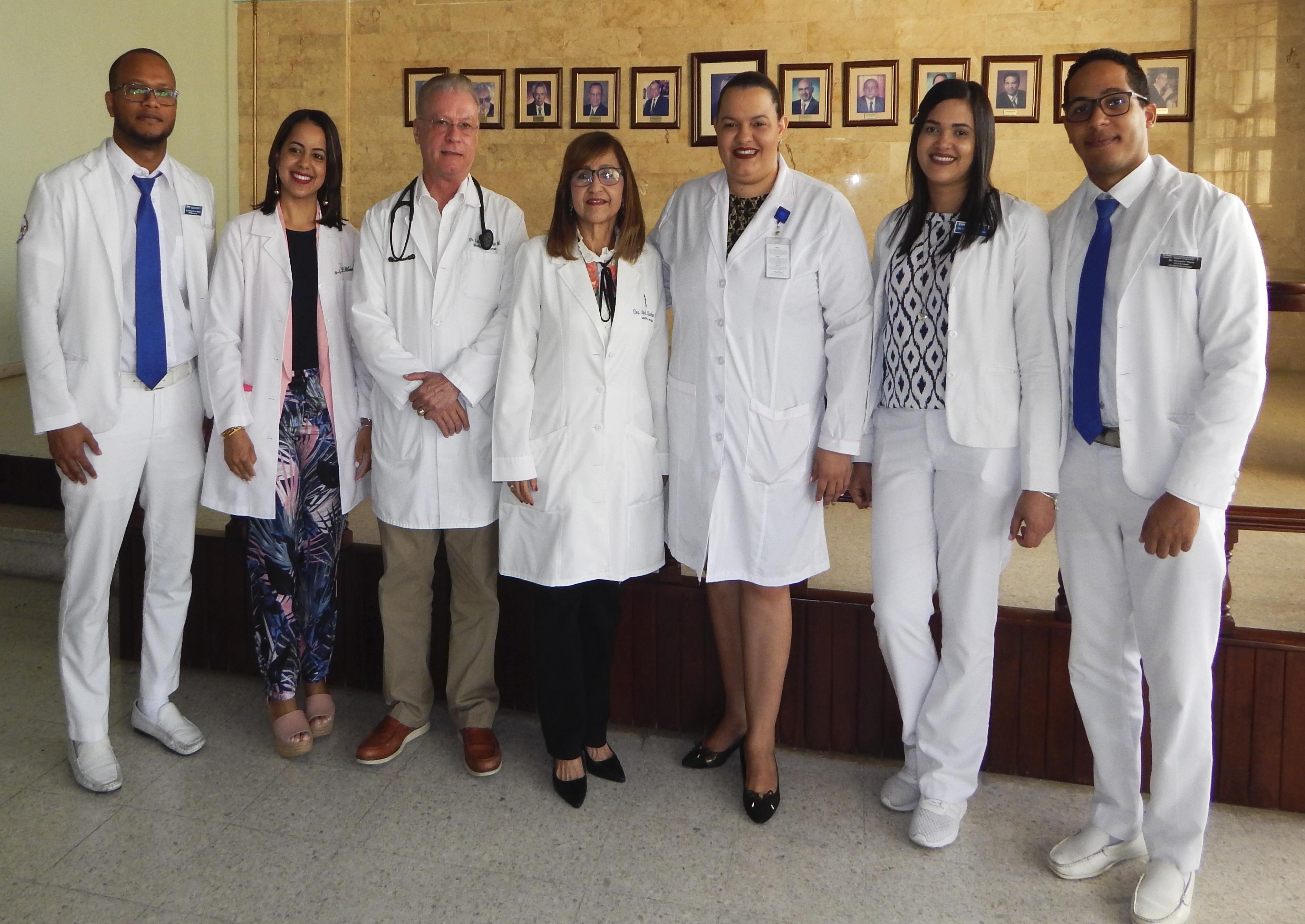 Read more about the article Departamento de medicina interna imparte charla sobre coronavirus