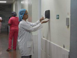 Evelin Vargas una enfermera dedicada a la prevención y control de infecciones hospitalaria